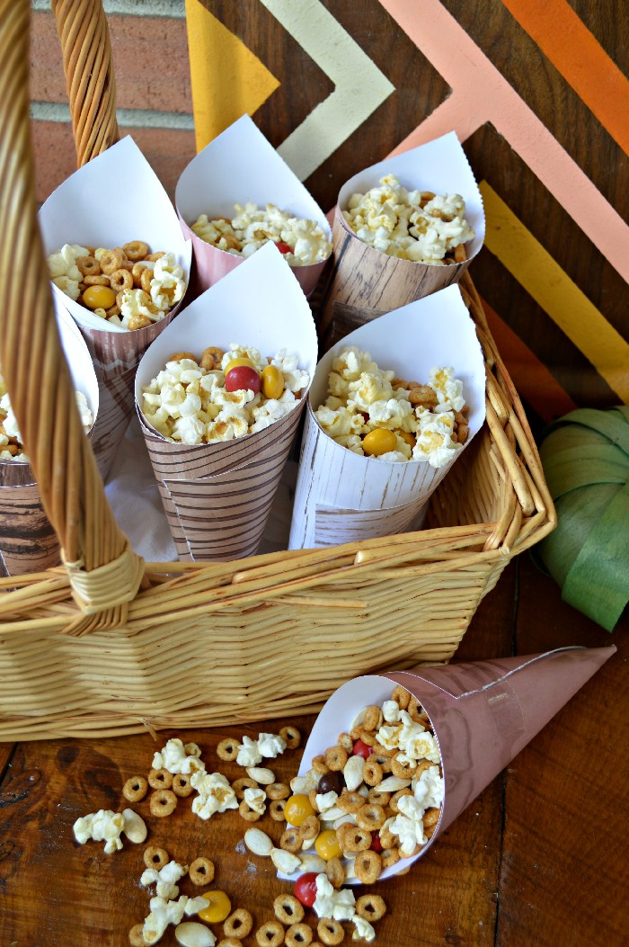 snack-mix-in-paper-cones