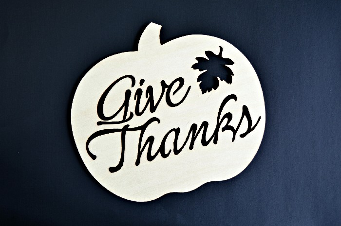 wood-cut-thanksgiving-sign
