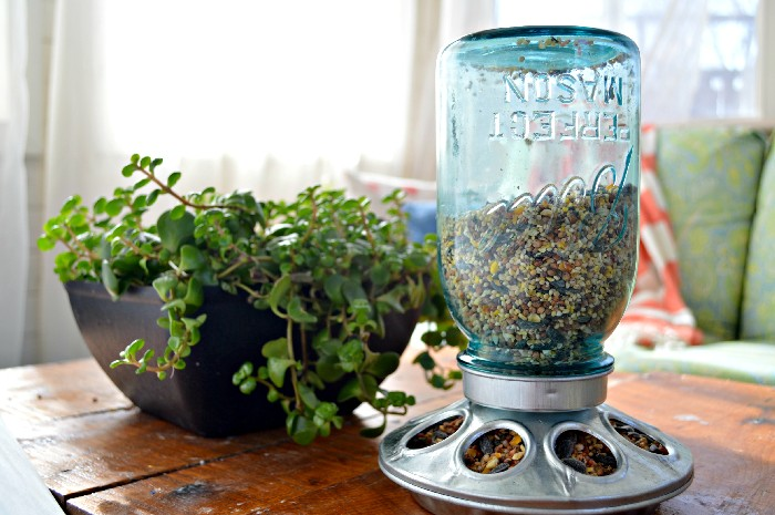 VINTAGE BLUE MASON JAR BIRD FEEDER