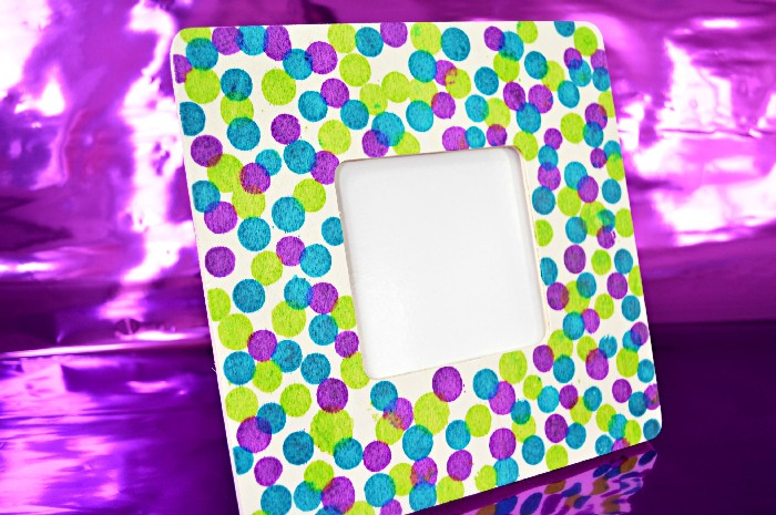 WOOD DYED POLKA DOT FRAME