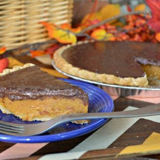 EASY PUMPKIN PIE WITH CHOCOLATE GANACHE