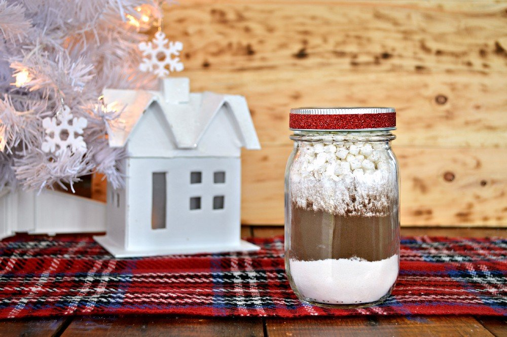 HOT CHOCOLATE MIX – MASON JAR GIFT IDEA