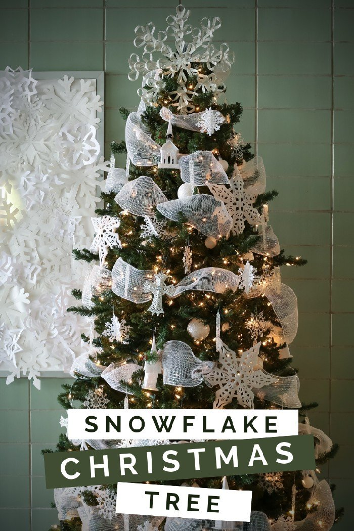 SNOWFLAKE CHRISTMAS TREE