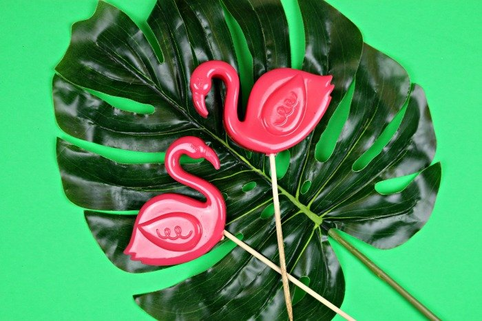 MINIATURE LAWN FLAMINGOS FOR YOUR PLANTS