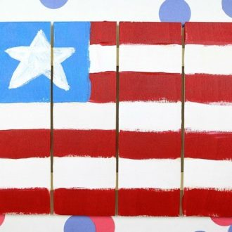 PAINTERLY AMERICAN FLAG SIGN