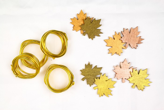 EASY THANKSGIVING NAPKIN RINGS FROM THE DOLLAR STORE