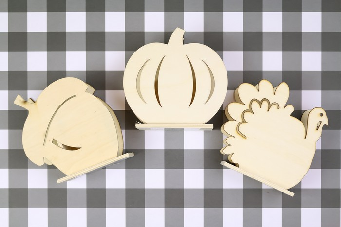 METALLIC UTENSIL HOLDERS FOR YOUR FALL TABLE