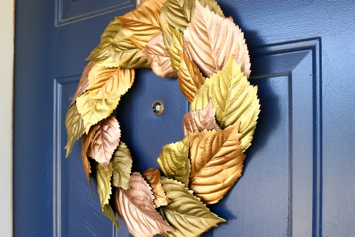 DIY METALLIC FALL LEAF WREATH