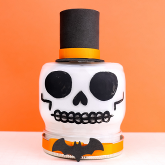 PAINTED SKULL MASON JAR FOR HALLOWEEN