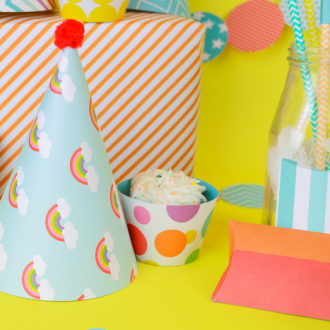PAPER PARTY HATS WITH CRICUT